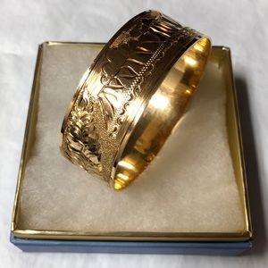 14K yellow gold Hawaiian Bangle 22mm